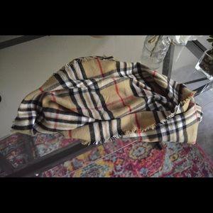 Chic fall plaid printed scarf